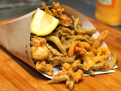 Fritto Misto Di Pesce Romagnolo Con Melanzane E Zucchine La Tua